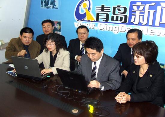 青岛市卫生局局长做客新闻网