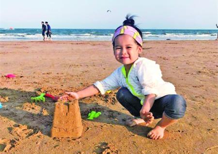 九月走了 4岁半女孩九月因患脑部疾病昨去世