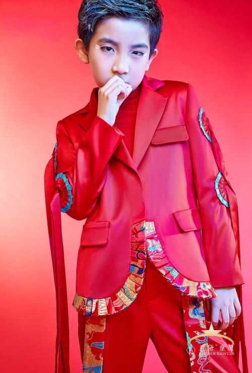 摄影中心北京兰黛童星选用法国高端产品迪奥打造北京亲子照创意照片.图片