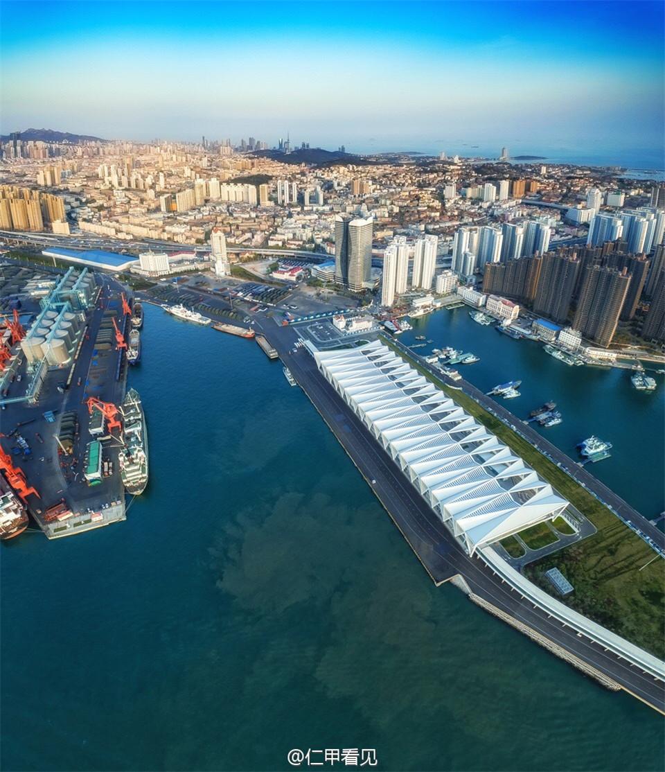航拍青岛新地标邮轮母港 大气磅礴比肩世界名港