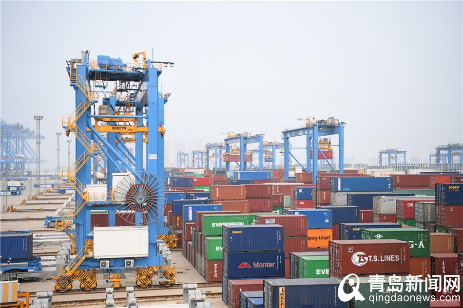 【我爱这片蓝色的国土】青岛港:科技引领港口升级 世界第一只是新起点