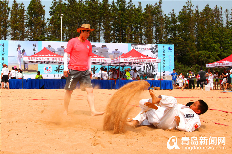 世界冠军助阵家乡柔道赛事 800名小将三浴显身手