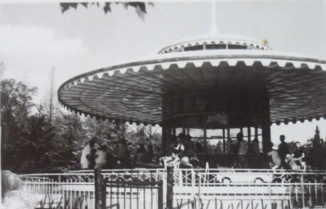 中山公园旋转木马,抹不去的童年记忆!
