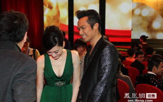 柳岩/李小冉和钟汉良走上红毯