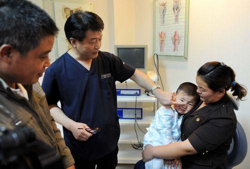 三岁男孩长怪病 医生妙手除顽疾