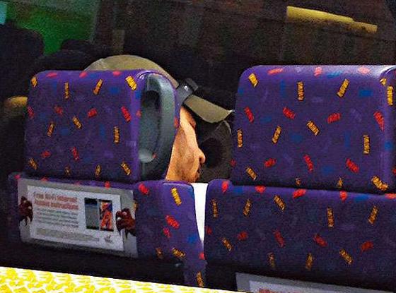 刘德华弟弟刘德盛乘坐公交上班