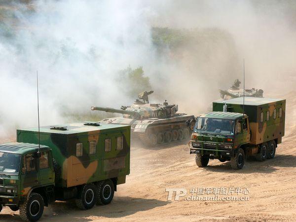 中央军委大幅调整海南省军区领导班子 一次换