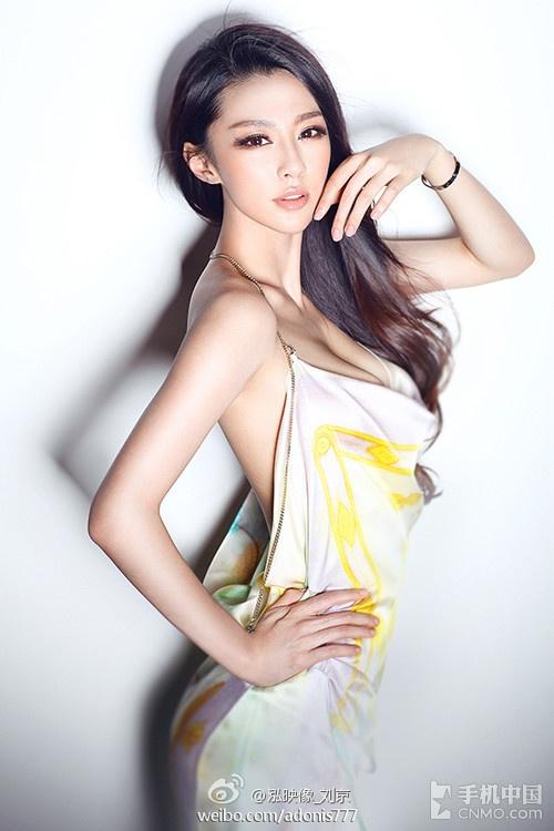 青岛第一黄金比例美女海量美图曝光 素颜绝美
