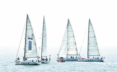帆船周海上嘉年华巡游 浮山湾碧海风帆入画