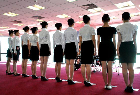 空姐招聘_海南航空青岛站空姐招聘在岛城        --万邦中心举行