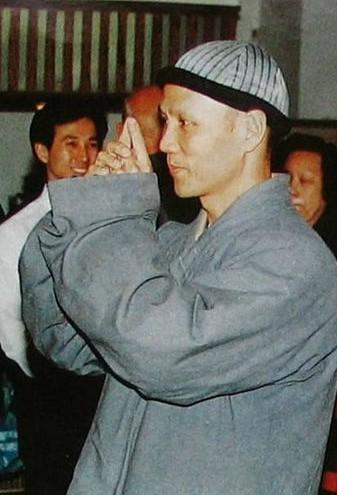 刘家辉中风偏瘫孤苦 昔日武打明星生活现状揭秘