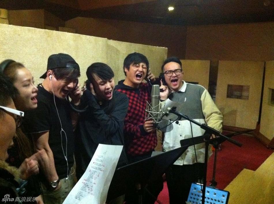 那英/好声音那英学员首聚录制班歌《小二班》