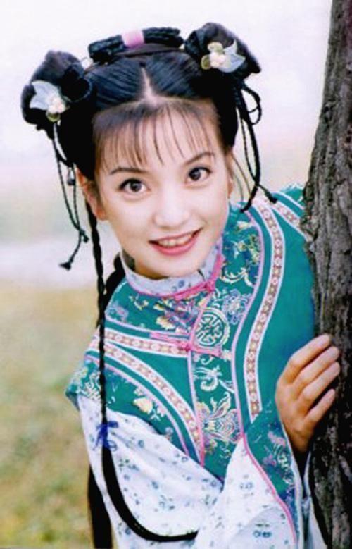 巨星之路一部《还珠格格》打响了赵薇的名气,让赵薇在一时之间