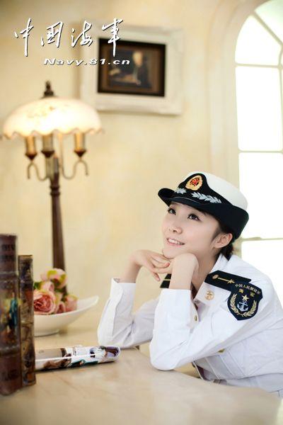 中国海军美丽女兵 - 青岛新闻网