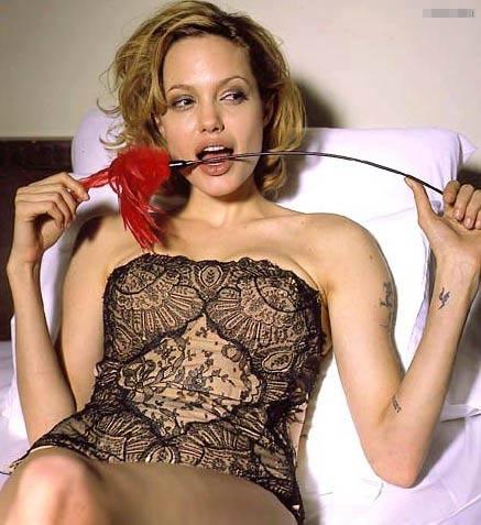 朱莉嗑药拍性爱片流出 皮特急掏千万元遮羞