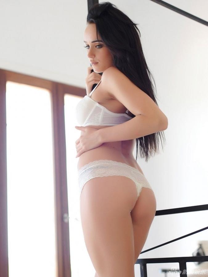 嫩模秀椒乳蕾丝美臀