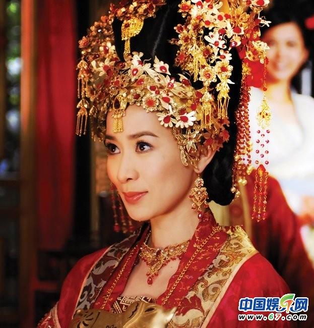 图揭古装美艳新娘造型:范冰冰霍思燕完胜李若彤(图)图片