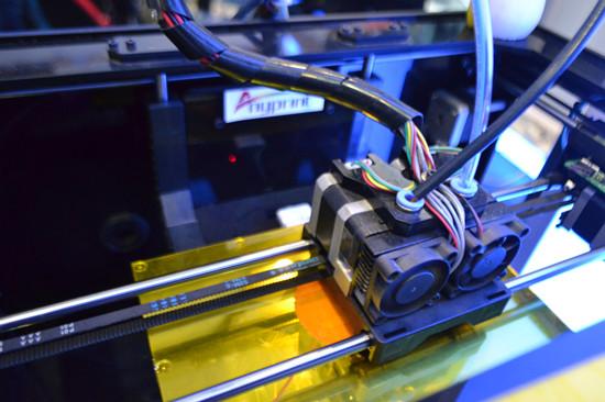 青岛3D打印机亮相文博会 3D服饰迷人 图