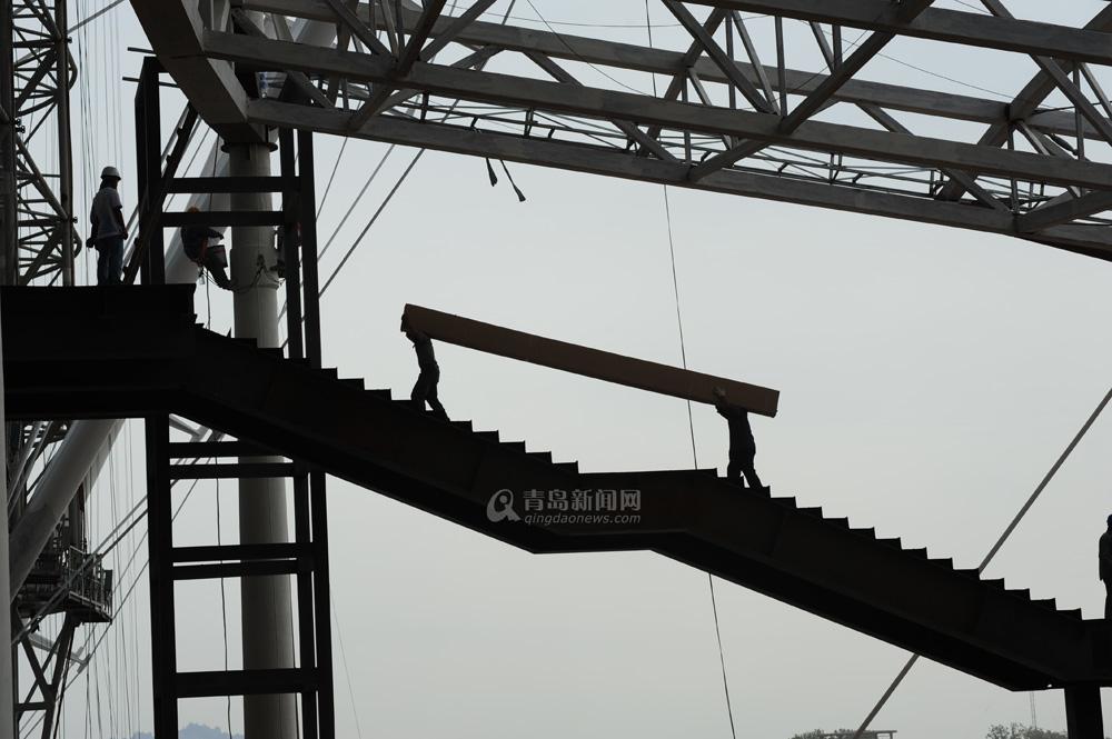 高清:探访青岛铁路北站 年底前全部完工
