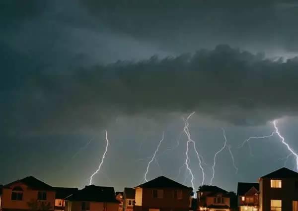 后天,青岛有大雨雷电!
