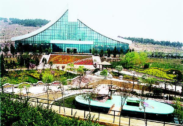 青岛森林野生动物园以及薛家岛旅游度假区的海景花园