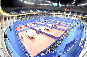 十一运乒乓球赛昨日在青岛国信体育馆开战. 周光辉 摄